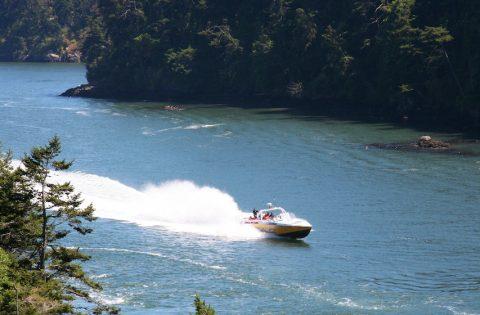 Goldwing cruising towards Decption Pass